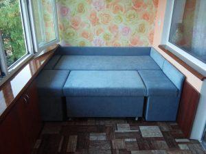 Диван на балкон со спальным местом